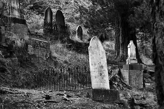 remnants-walhalla-cemetery