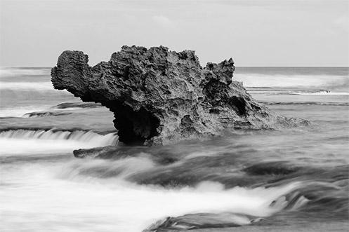 Dragon's Head rock - Jim Worrall - Number Sixteen beach - Rye - Australia - travel